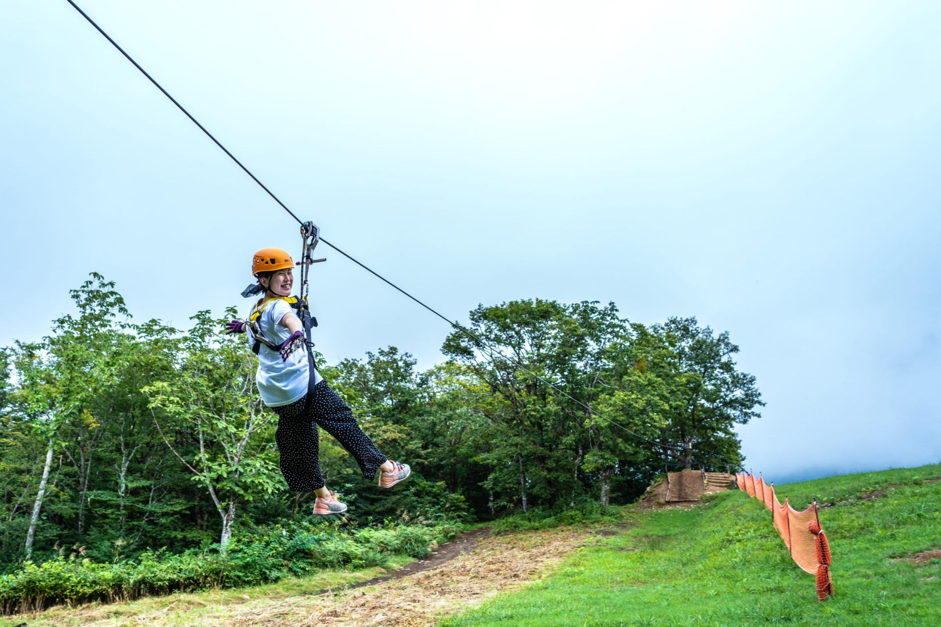 夏のスキー場で鳥になる!?「ひるがの高原スキー場」 で「ジップライン」体験