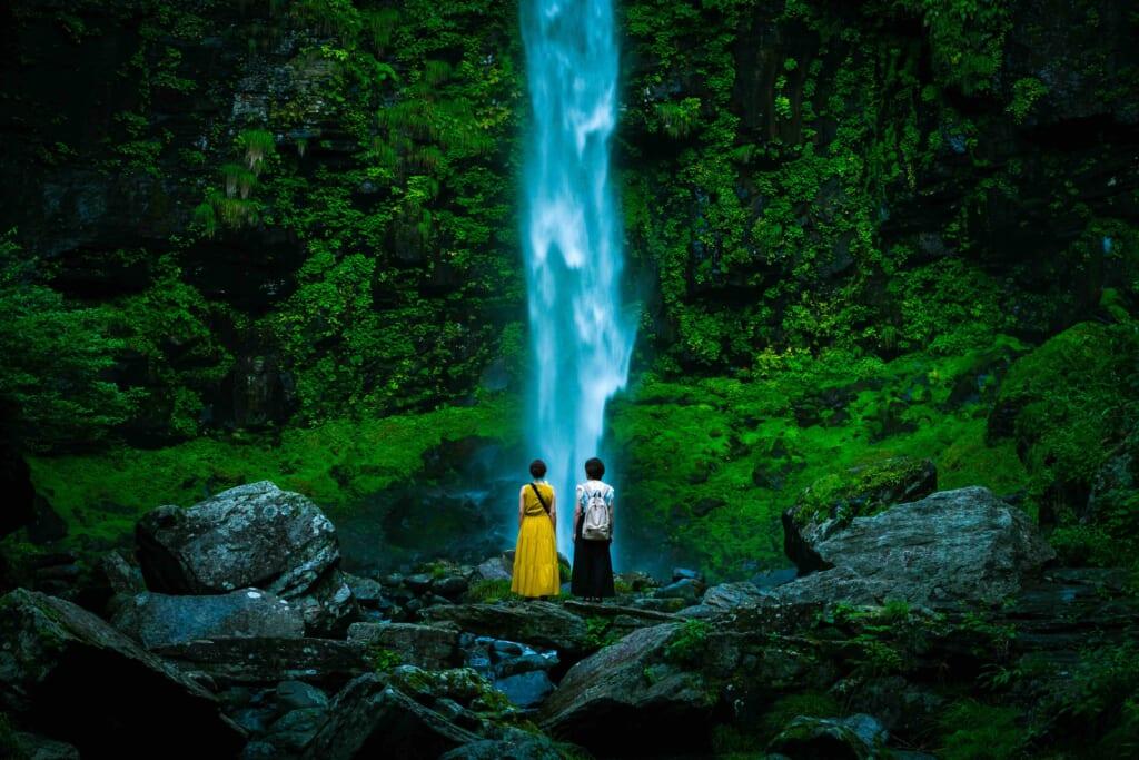 神域に触れる。郡上の外遊びの原点「阿弥陀ヶ滝」を巡る。